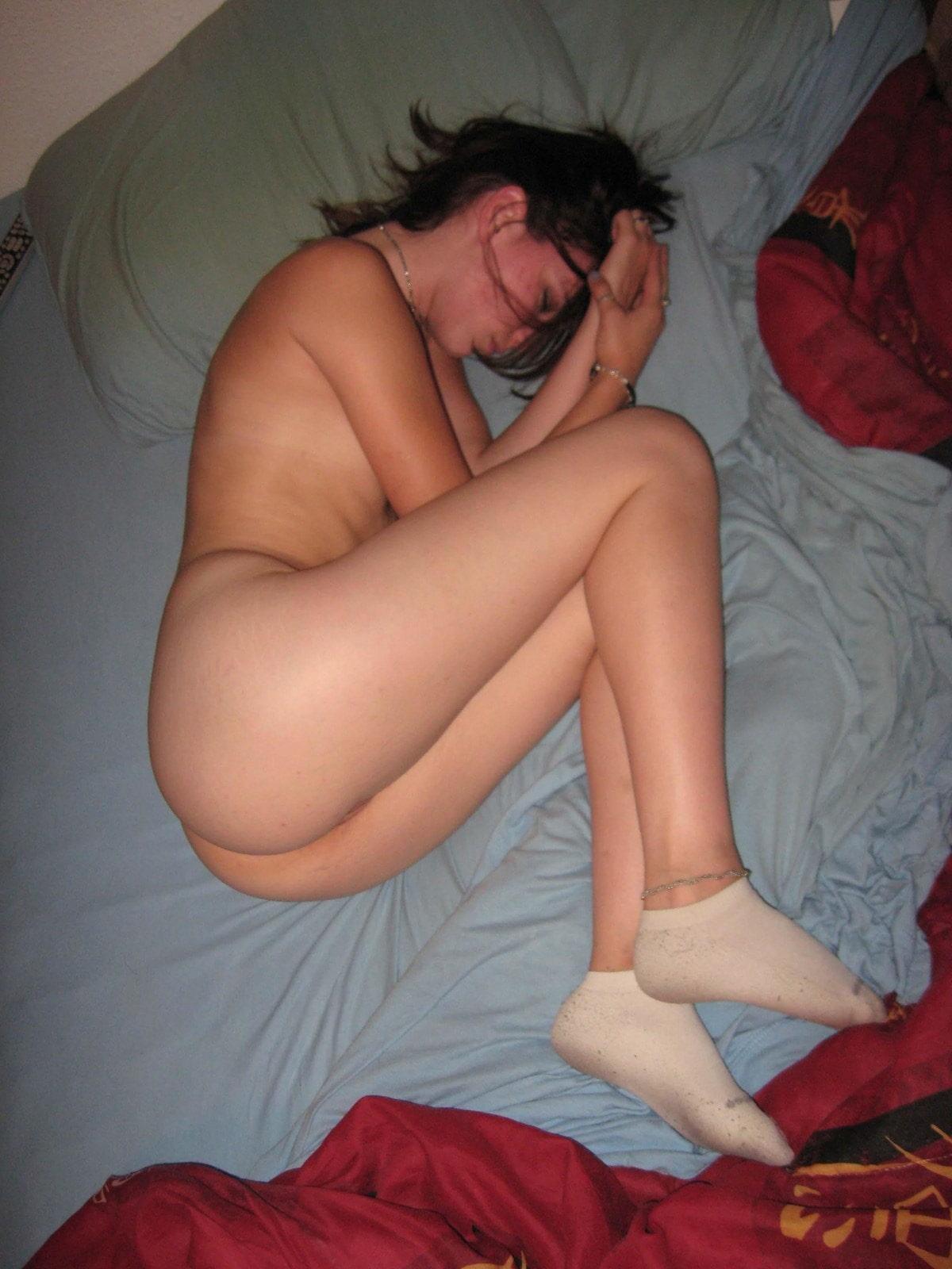 спят усталые подружки...