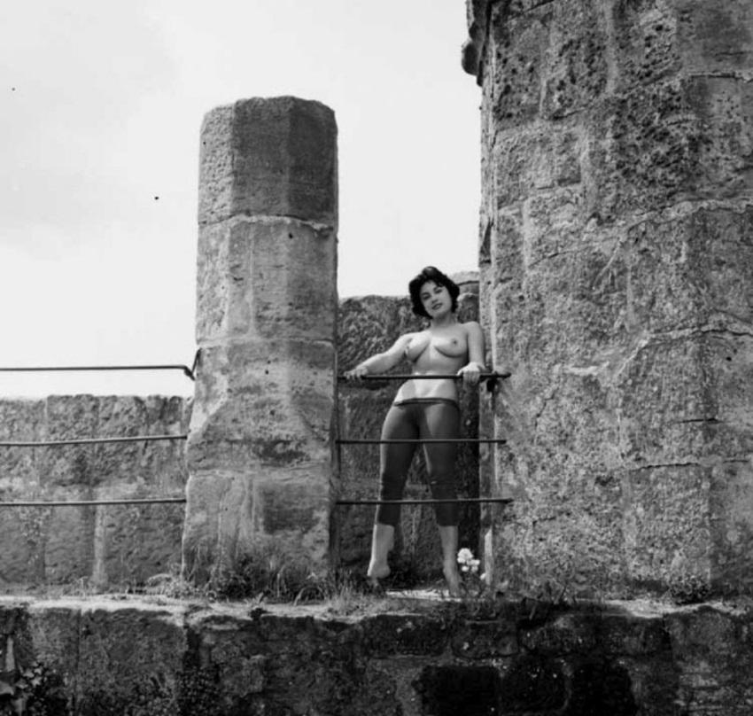 История в фотографиях. Винтажное Ню